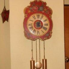 Relojes de pared: GRAN RELOJ ESCUDO DE PARED XL, CUERDA 7-8 DÍAS.. Lote 103981547