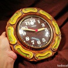 Relojes de pared: ANTIGUO RELOJ DE PARED COCINA - CERÁMICA - RADIANT ELECTRONIC - VINTAGE-MADE IN GERMANY. Lote 104266495