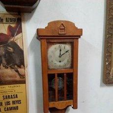 Relojes de pared: IMPRESIONANTE RELOJ PARED DE MADERA A CUERDA, FUNCIONA, PERFECTO.. Lote 106964291