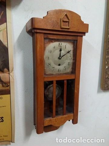 Relojes de pared: impresionante reloj pared de madera a cuerda, funciona, perfecto. - Foto 2 - 106964291