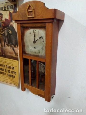 Relojes de pared: impresionante reloj pared de madera a cuerda, funciona, perfecto. - Foto 3 - 106964291