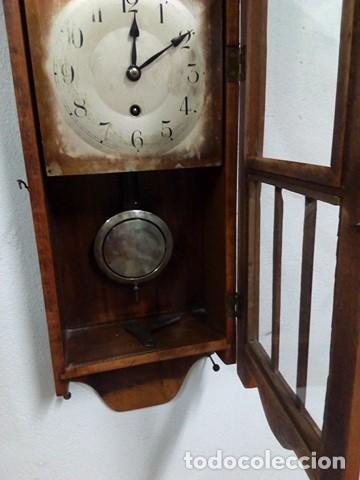 Relojes de pared: impresionante reloj pared de madera a cuerda, funciona, perfecto. - Foto 4 - 106964291