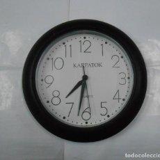 Relojes de pared: RELOJ DE PARED KARPATOK. QUARTZ. PB31. Lote 107571835