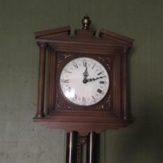 Relojes de pared: ANTIGUO RELOJ ALEMÁN DE MADERA. Lote 108331215