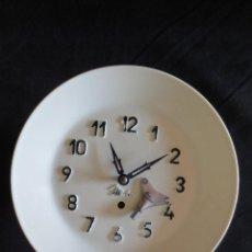 Relojes de pared: RELOJ DE PARED MICRO, FUNCIONA CORRECTAMENTE Y CONSERVA LA LLAVE. Lote 109780991