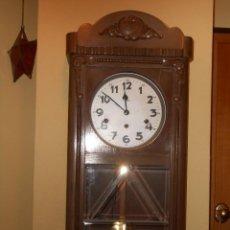 Relojes de pared: RELOJ DE PARED SÚEVIA.TOCA TAMBIÉN LOS CUARTOS.MELODÍA TIPO WESTMINSTER.. Lote 110065387
