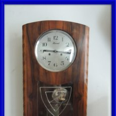 Relojes de pared: RELOJ ART DECO MONREAL EN MADERA DE NOGAL FUNCIONANDO Y CON SONERIA. Lote 110569591