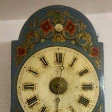 Relojes de pared: RELOJ DE PARED RATERA, CAJA MADERA POLICROMADA Y DORADA, FINALES XIX, FUNCIONA PERFECTAMENTE.. Lote 110866102