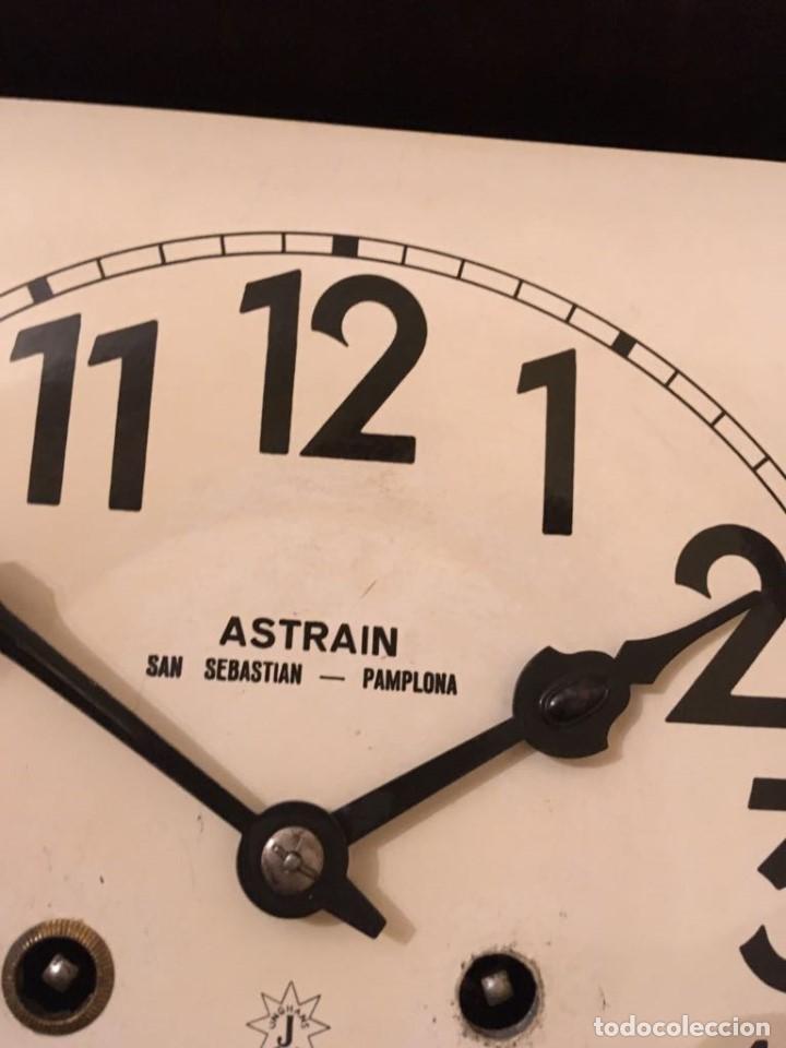 Relojes de pared: RELOJ DE PARED. ASTRAIN. SAN SEBASTIÁN, PAMPLONA. - Foto 3 - 113917375