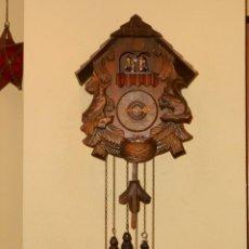 Relojes de pared: RELOJ CUCU-CUCO CON CARRUSEL MUSICAL ALEMÁN(SELVA NEGRA).TOTALMENTE MECÁNICO Y FUNCIONANDO BIEN... Lote 116293139