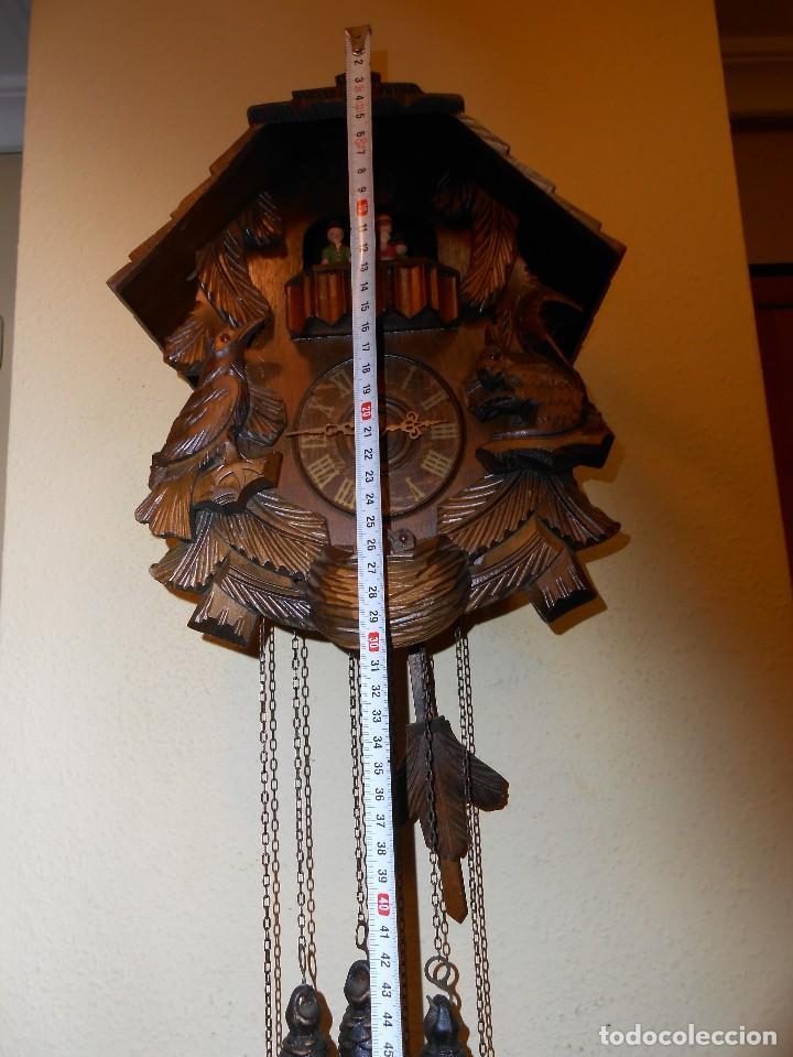 Relojes de pared: RELOJ CUCU-CUCO CON CARRUSEL MUSICAL ALEMÁN(SELVA NEGRA).TOTALMENTE MECÁNICO Y FUNCIONANDO BIEN.. - Foto 2 - 116293139