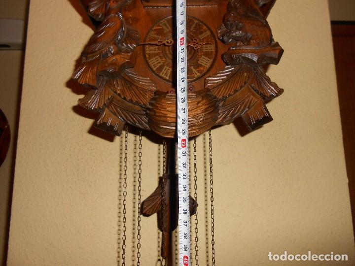 Relojes de pared: RELOJ CUCU-CUCO CON CARRUSEL MUSICAL ALEMÁN(SELVA NEGRA).TOTALMENTE MECÁNICO Y FUNCIONANDO BIEN.. - Foto 3 - 116293139
