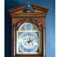 Relojes de pared: EXCEPCIONAL ANTIGUO RELOJ DE PARED CON SONERIA J. PASTOR 1940 CARGA MANUAL Y CAJA DE NOGAL. Lote 56802694