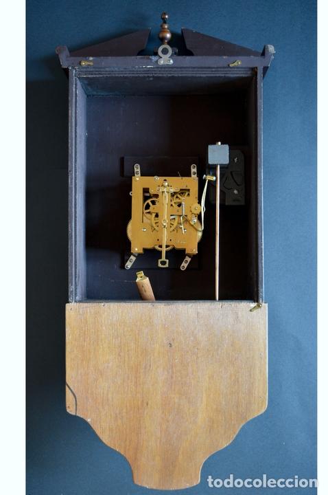 Relojes de pared: EXCEPCIONAL ANTIGUO RELOJ DE PARED CON SONERIA J. PASTOR 1940 CARGA MANUAL Y CAJA DE NOGAL - Foto 12 - 56802694