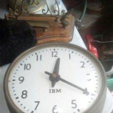 Relojes de pared: ANTIGUO DIFÍCIL RELOJ DE ESTACIÓN IBM BUEN ESTADO DE CONSERVACIÓN. Lote 121308727