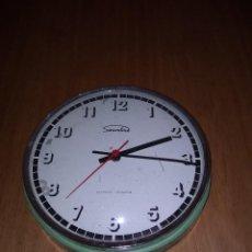 Relojes de pared: BONITO RELOJ ANTIGUO . Lote 118672275