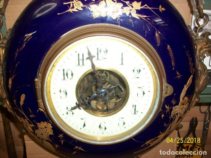Relojes de pared: ANTIGUO RELOJ FRANCES DE PONCELANA-BLEU DO ROI - Foto 2 - 180042597