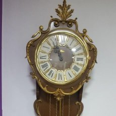 Relojes de pared: RELOJ DE PÉNDULO CON SONERÍA REMATES BRONCE. Lote 120222699