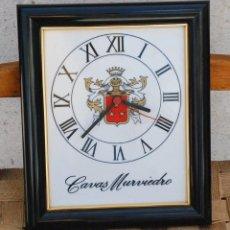 Relojes de pared: RELOJ PARED AZULEJO ESCUDO CAVAS MURVIEDRO VALENCIA PUBLICIDAD - FUNCIONA . Lote 120575463