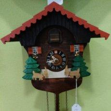 Relojes de pared: RELOJ DE PARED DE CUCU EN MADERA Y FUNCIONANDO PERFECTAMENTE.. Lote 122128579