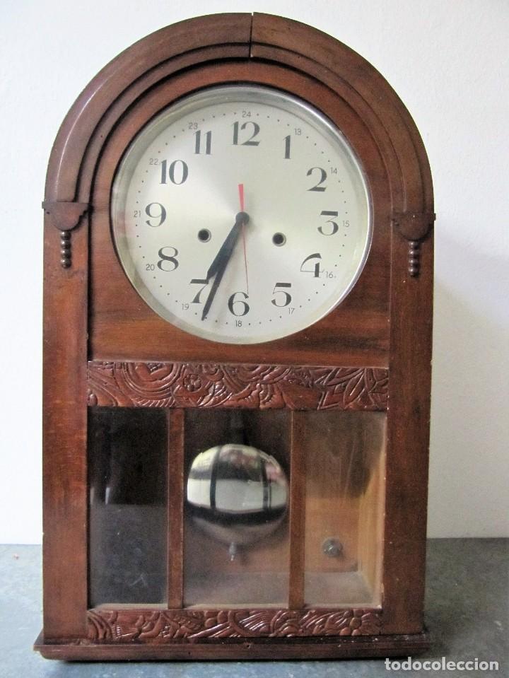 RELOJ DE PARED EN MADERA,ESPAÑA (Relojes - Pared Carga Manual)