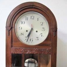 Relojes de pared: RELOJ DE PARED EN MADERA,ESPAÑA. Lote 129030982