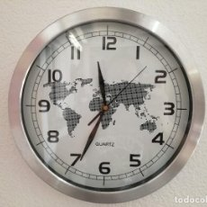 Horloges murales: RELOJ DE PARED CON MAPA DEL MUNDO MECANISMO DE PILA FUNCIONANDO.. Lote 123580251