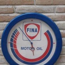 Relojes de pared: RELOJ DE PARED CON PUBLICIDAD : FINA - MOTOR OIL - FUNCIONANDO.. Lote 127131387