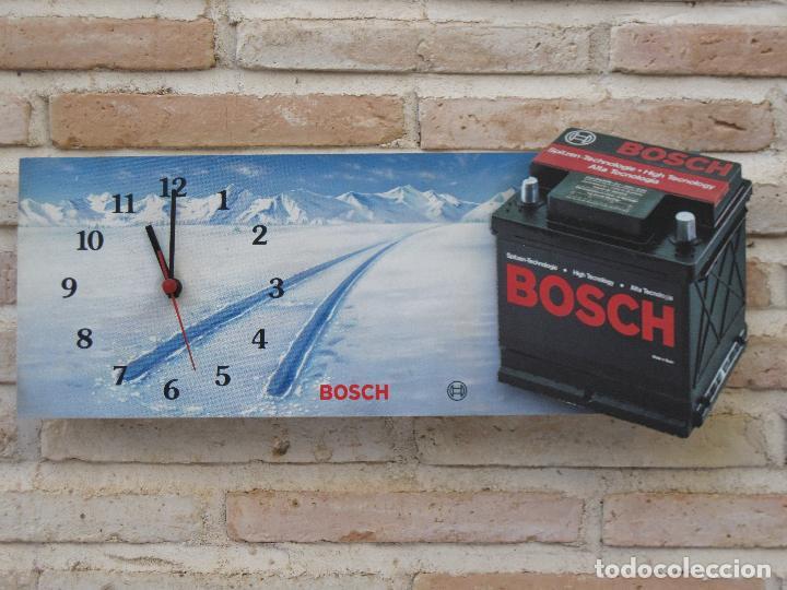 Relojes de pared: RELOJ DE PARED CON PUBLICIDAD : B0SCH - BATERIAS - FUNCIONANDO. - Foto 2 - 127132003