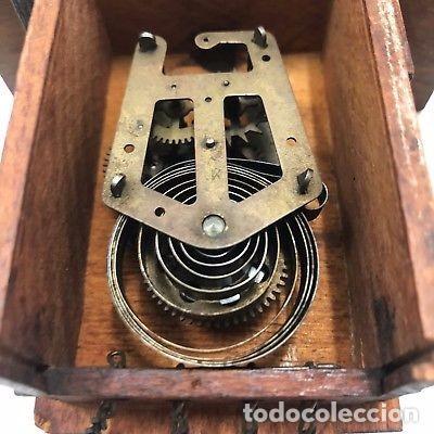 Relojes de pared: ANTIGUO RELOJ DE CUCO PARA RESTAURAR SUIZO A CUERDA. - Foto 2 - 128409371