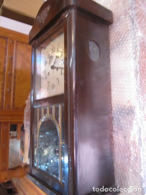 Relojes de pared: Reloj de pared con caja de madera. 30 x 16 x 63 cms. altura. Funcionando. - Foto 9 - 128706375