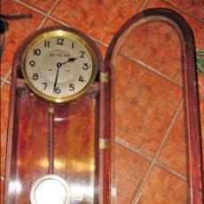Relojes de pared: BONITO RELOJ DE PARED A CUERDA . DUNCAN . 80 / 30 / 15 CM. Lote 128816971