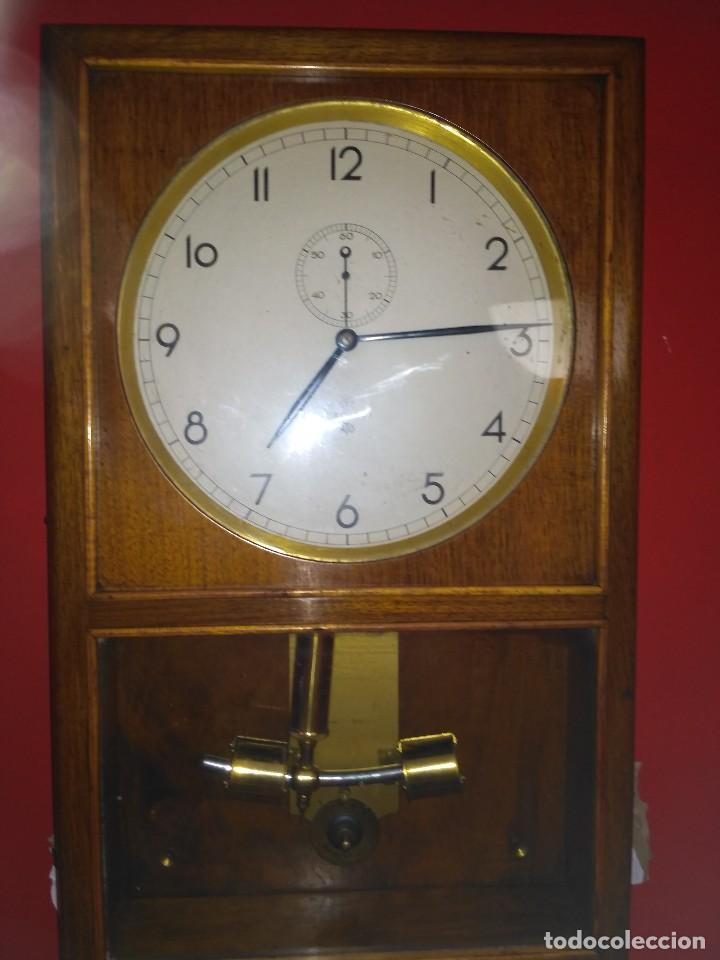 52852fc742c2 Reloj de pared antiguo usado - compra   venta - los mejores precios ...