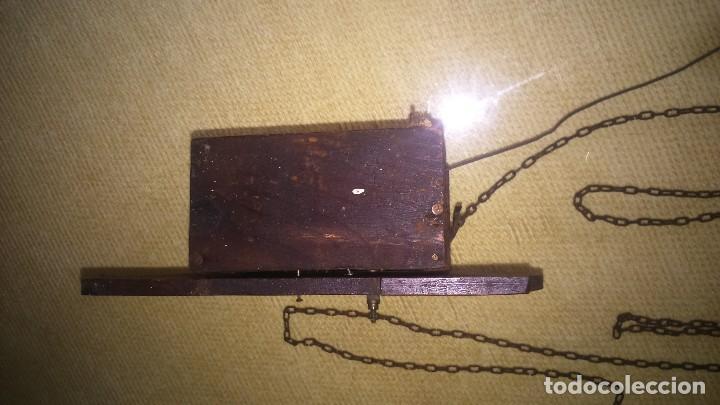 Relojes de pared: Antiguo y pequeño reloj de pared. A restaurar - Foto 4 - 132161522