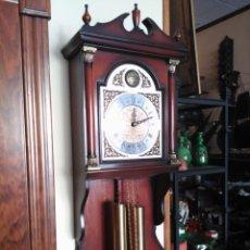 Relojes de pared: RELOJ DE PARED DE SISTEMA DE CONTRAPESOS AÑOS 80. Lote 134116462