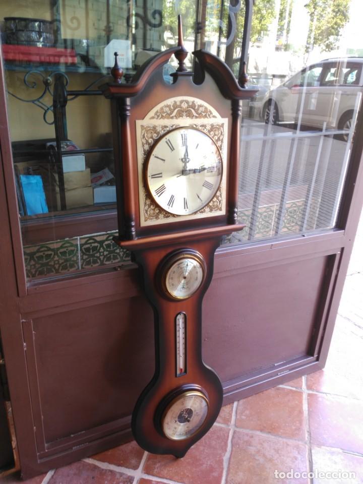 RELOJ DE PARED CON TERMÓMETRO BARÓMETRO E HIGRÓMETRO, AÑOS 80 (Relojes - Pared Carga Manual)