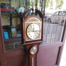 Relojes de pared: RELOJ DE PARED CON TERMÓMETRO BARÓMETRO E HIGRÓMETRO, AÑOS 80. Lote 134116718