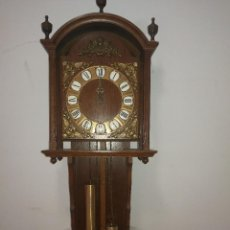 Relojes de pared: RELOJ DE PARED CON PENDULO. Lote 134842350