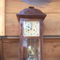 Relojes de pared: RELOJ PARED CARRILLON MADRID GIROD PPIO S XX ROBLE APLICACIONES METAL ROSTRO ART NOU NOUVEAU 67,5X26. Lote 136205574