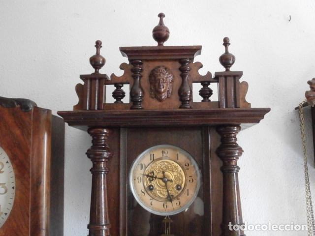 Relojes de pared: Antiguo reloj de cuerda mecánica pared militar alemán I guerra mundial 1917 funciona y da campanadas - Foto 2 - 136313094