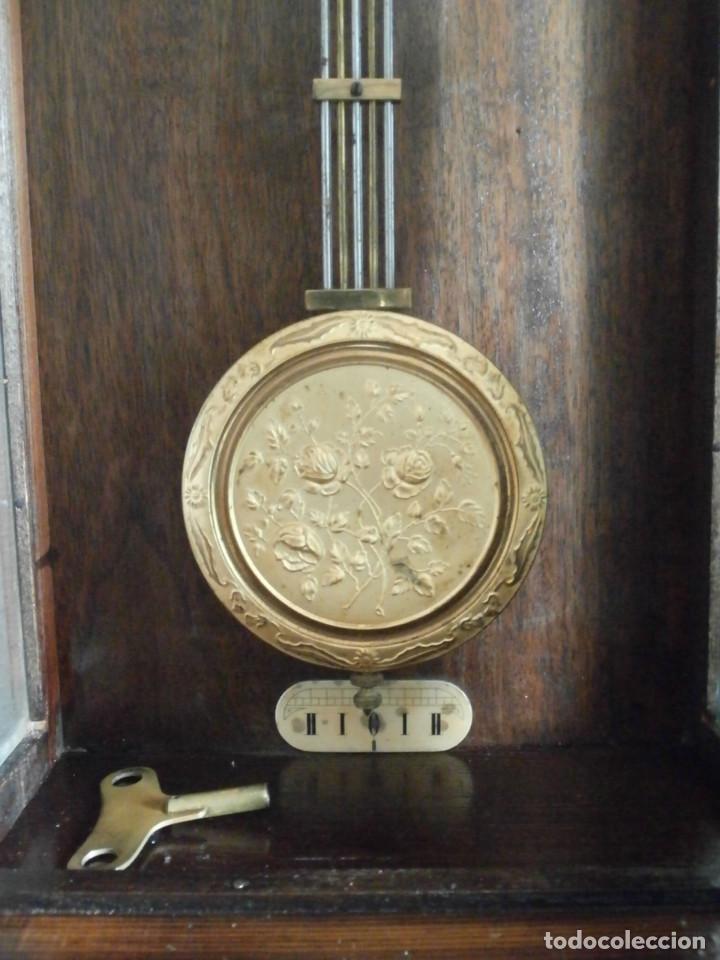 Relojes de pared: Antiguo reloj de cuerda mecánica pared militar alemán I guerra mundial 1917 funciona y da campanadas - Foto 8 - 136313094