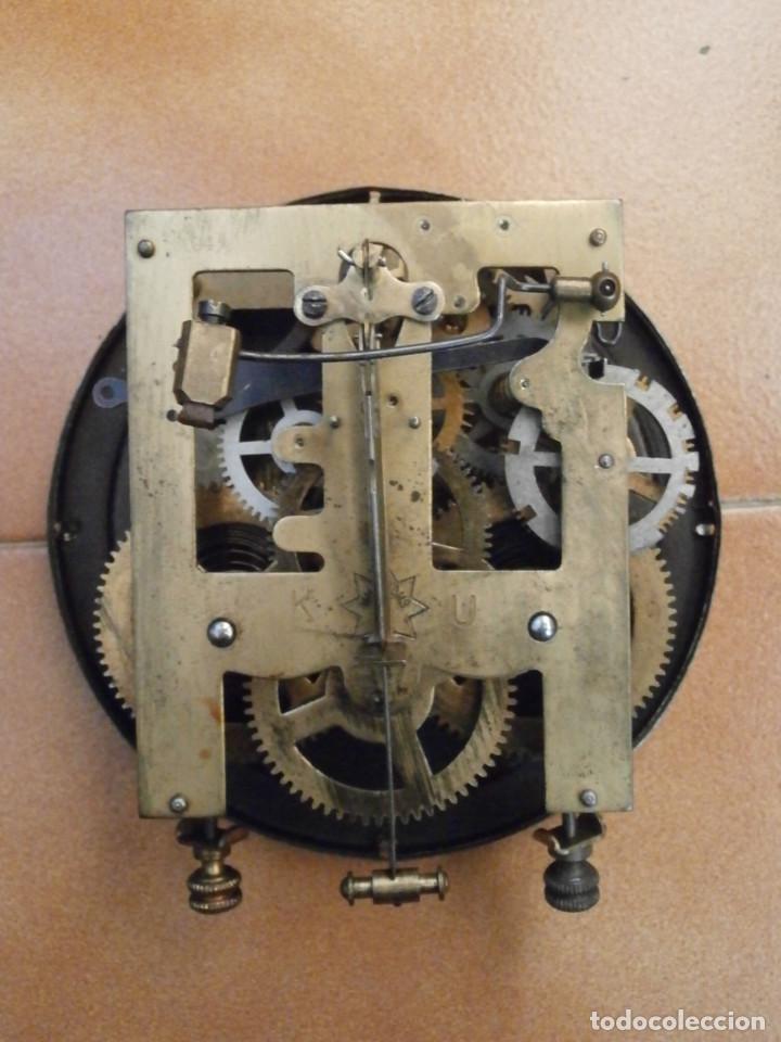 Relojes de pared: Antiguo reloj de cuerda mecánica pared militar alemán I guerra mundial 1917 funciona y da campanadas - Foto 9 - 136313094