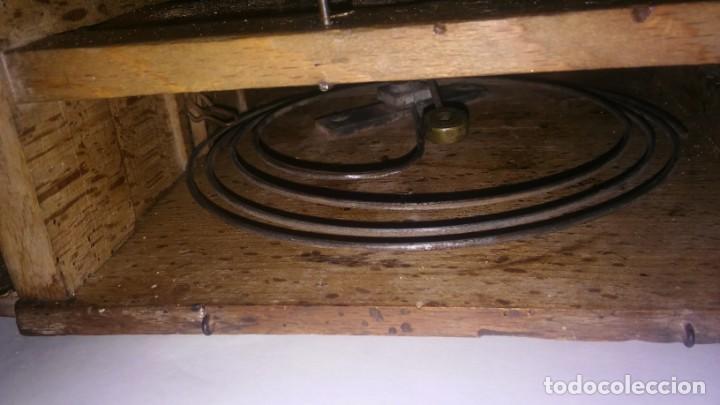 Relojes de pared: Ratera maquinaria completa y funcionando, sonería gong reloj original selva negra antiguo 1850 s XIX - Foto 10 - 137743418