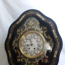 Relojes de pared: RELOJ DE OJO DE BUEY. ESTILO ISABELINO. MADERA LACADA. SIGLO XIX.. Lote 139618297