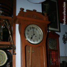 Relojes de pared: RELOJ ALIX DECORACIÓN ESTILO MODERNISTA, BUENA MADERA. MIDE 108 X 15 X 40 CMS. FOTOS. Lote 139878866