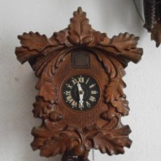 Relojes de pared: RELOJ ANTIGUO DE PARED ALEMÁN CUCU CUCO PÉNDULO FUNCIONA CON PESAS DE LA ALEMANIA ORIENTAL COMUNISTA. Lote 140188794