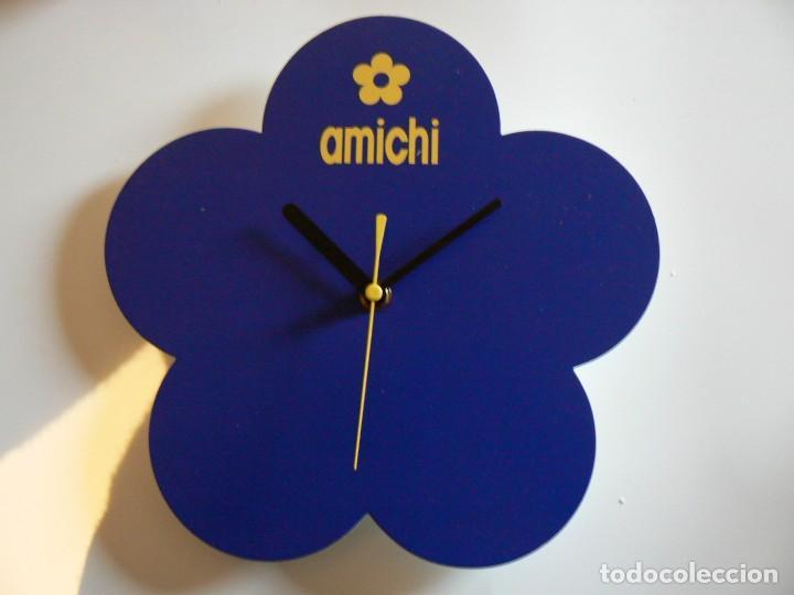 RELOJ DE PARED A PILAS PUBLICIDAD 'AMICHI'. FUNCIONANDO. 25 CMS. (Relojes - Pared Carga Manual)