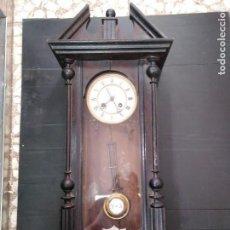 Relojes de pared: RELOJ CARGA MANUAL FUNCIONANDO SIGLO XIX. Lote 140416566
