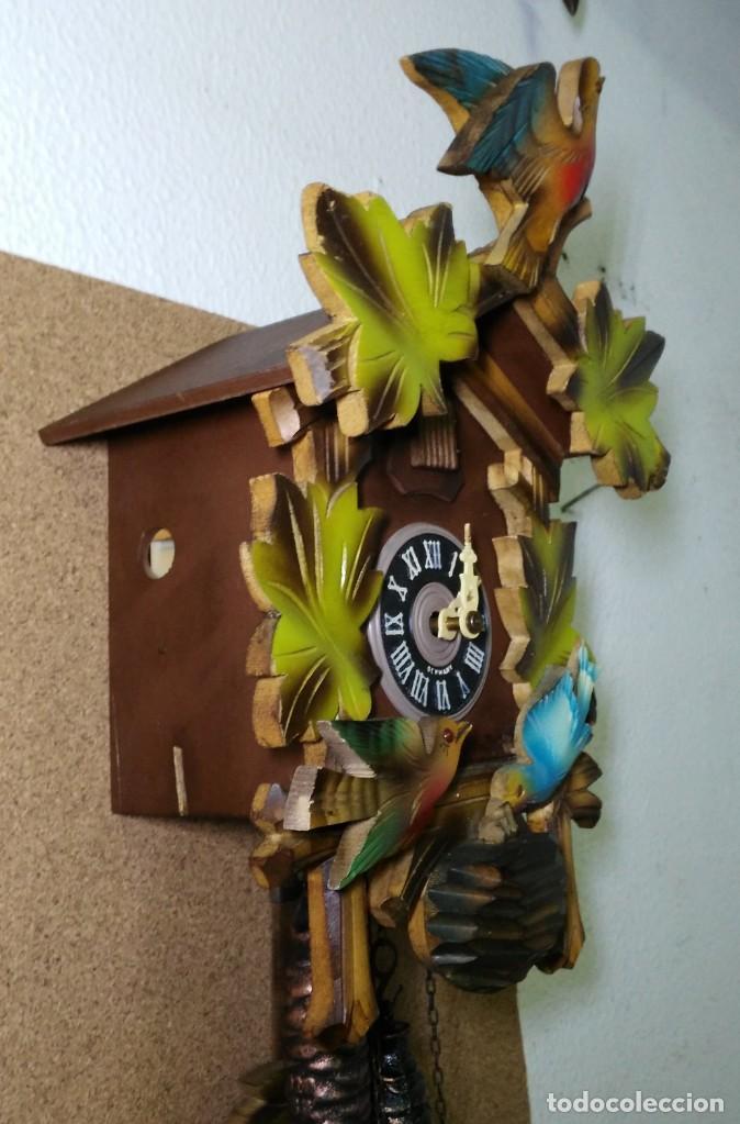 Relojes de pared: Reloj de Cuco de la Selva Negra, mecánico, madera tallada - Funciona - Foto 2 - 141033918