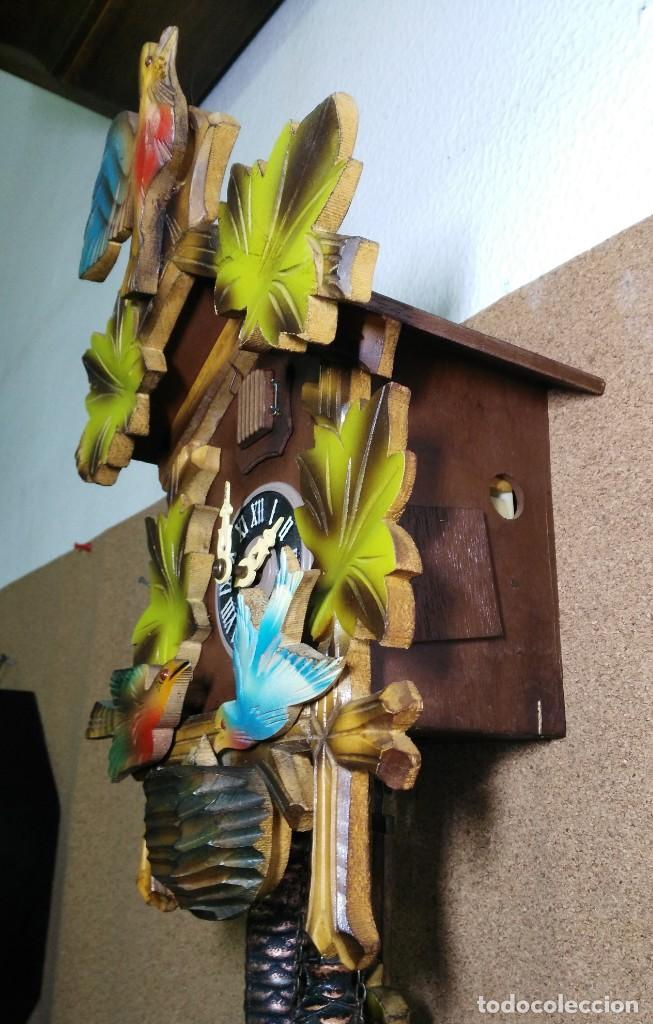 Relojes de pared: Reloj de Cuco de la Selva Negra, mecánico, madera tallada - Funciona - Foto 3 - 141033918